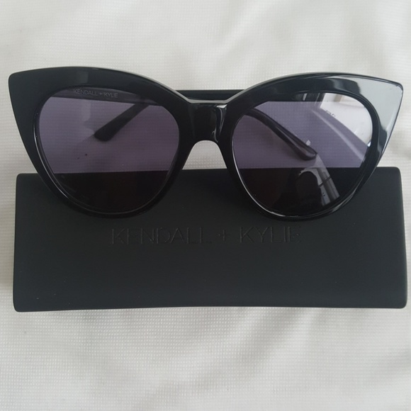 b474a7cab9 Kendall   Kylie Accessories - Kendall + Kylie Cat Eye Sunglasses - Black